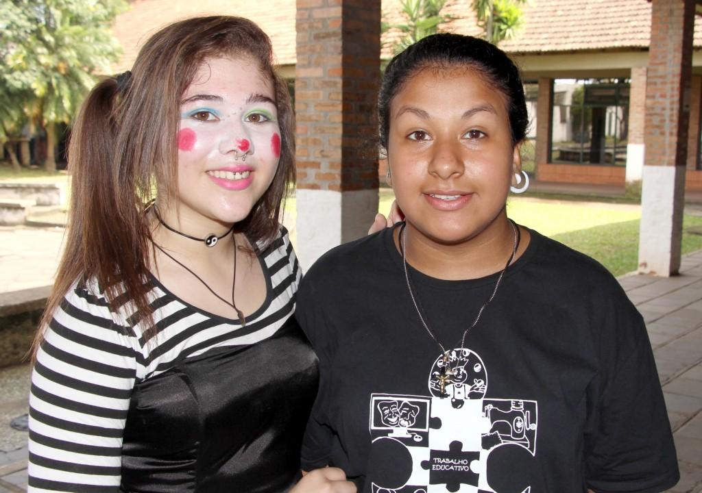 Julia e Daniele são jovens atendidas pelo Instituto São Benedito