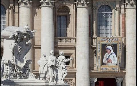 Papa: Madre Teresa foi dispensadora generosa da misericórdia divina