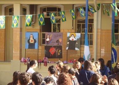 Colégio Puríssimo lembra o nascimento de Bárbara Maix
