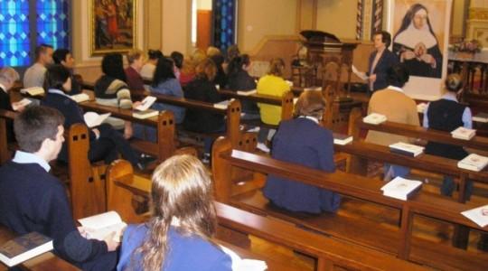 Colaboradores/as participam de Tríduo em preparação a Beatificação de Bárbara Maix