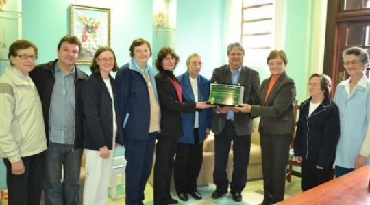Prefeitura de Gramado presta homenagem à administração do Hospital São Miguel