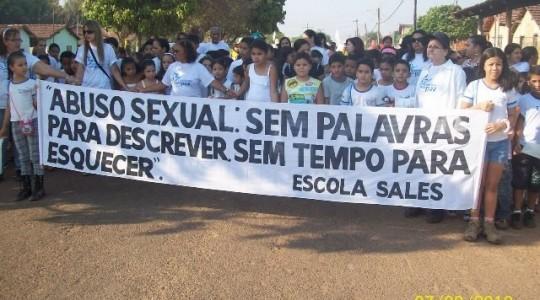 Caminhada denuncia a exploração sexual de crianças em Miranorte-TO