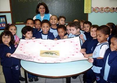 Alunos relembram nascimento de Bárbara Maix na Escola Nossa Senhora do Carmo (RJ)