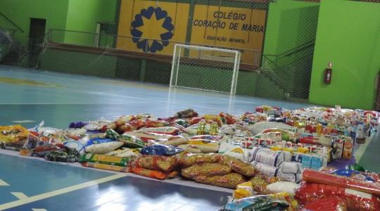 Colégio Coração de Maria doa mais de 3 toneladas em alimentos