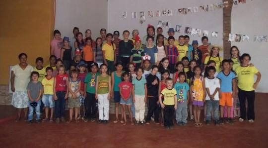 A missão das Irmãs ICM junto as crianças no Paraguai
