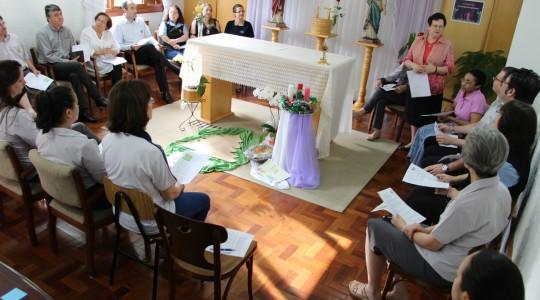 Irmãs e colaboradores/as participam de tríduo em preparação para o Natal do Senhor