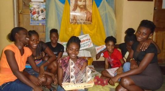 Jovens participam de encontro vocacional no Haiti