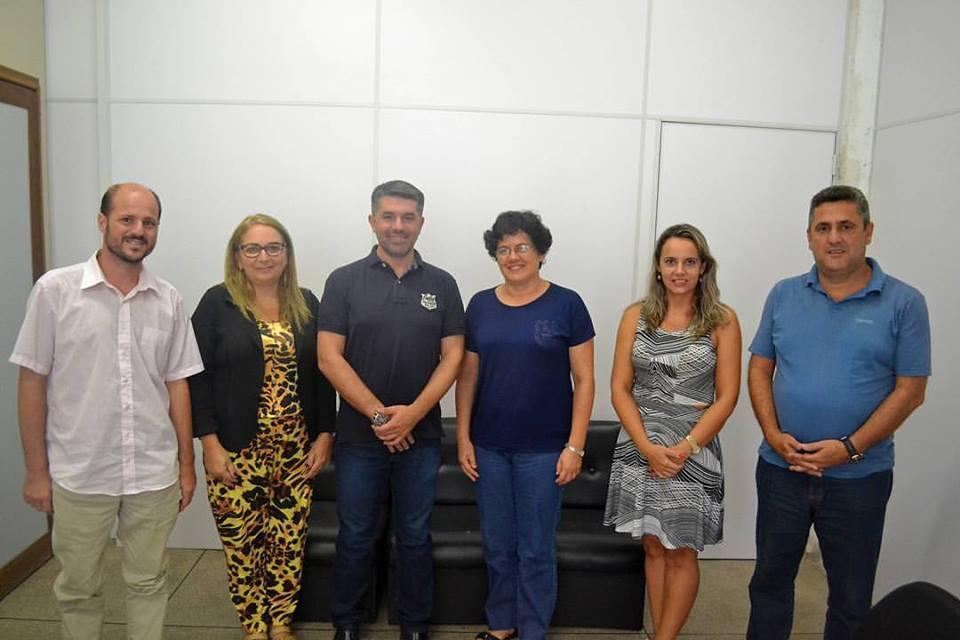 Reunião debateu parceria para o Lar São José. Foto: Divulgação