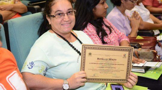 Irmã Eurides Alves de Oliveira recebe homenagem da Assembleia Legislativa do Amazonas