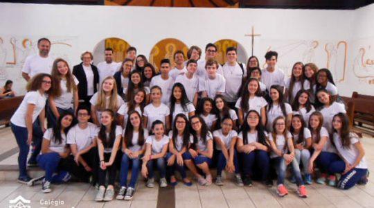 Alunos do Colégio Puríssimo participam da Celebração Eucarística na REDEVIDA