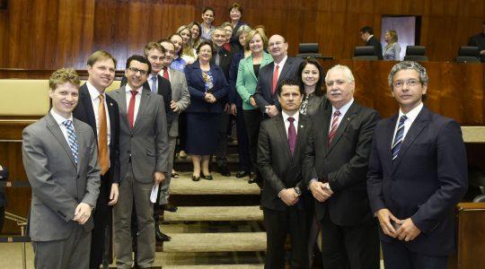 Parlamento gaúcho homenageia os 70 anos da Escola N. Sra. Auxiliadora