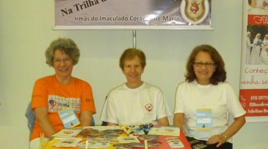 Irmãs ICM na Exposição Vocacional em Aparecida