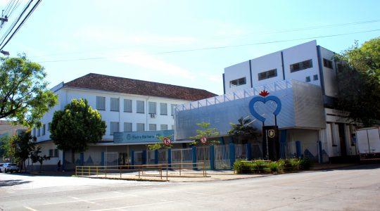 Colégio Madre Bárbara celebra aniversário de 121 anos com cerca de mil alunos