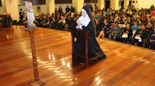 Bárbara Maix 200 anos: vídeos da apresentação artística do Colégio Puríssimo