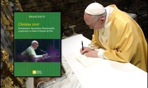 """Francisco fala aos jovens: baixe a exortação Apostólica """"Christus vivit"""" do Papa"""