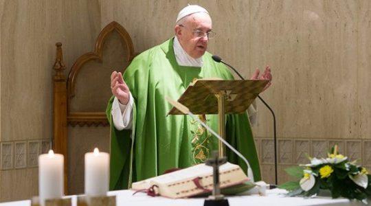 Papa Francisco: Deus chora por nós quando nos afastamos Dele
